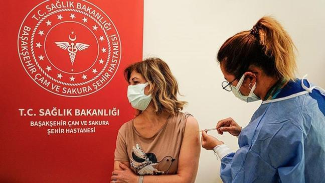 Son dakika haberi: İstanbul'da aşılama yapılan  doz sayısı 4 milyona yaklaştı