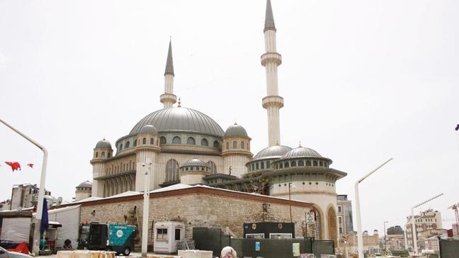 Taksim'de ilk cuma