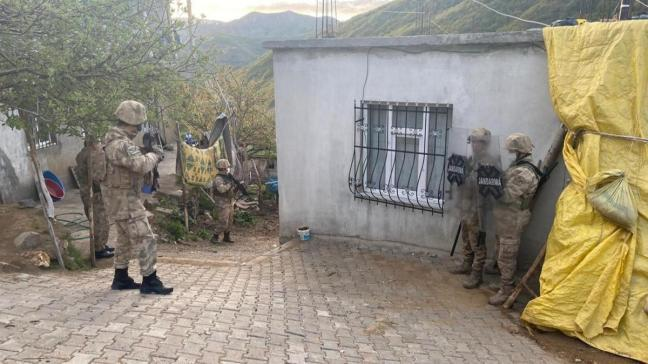 4 ilde terör örgütü PKK'ya operasyon: 9 kişi gözaltında