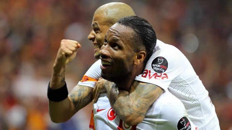 (Galatasaray - Mersin İ.Y) Şampiyonluğa 'Abay'ı yaktı: 3-1