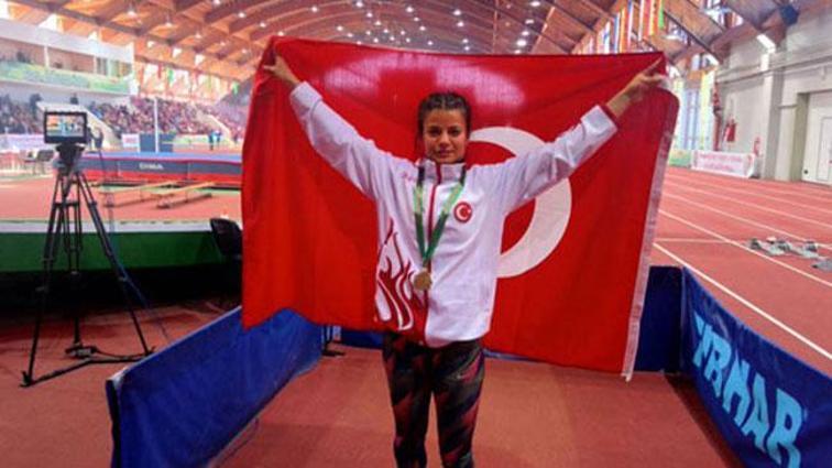 İşitme Engelliler Avrupa Salon Atletizm Şampiyonası'nda Aysun Akay'dan altın madalya