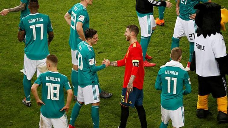Mesut Özil, Almanya Milli Takımı'nın Brezilya maçı kadrosuna alınmadı!