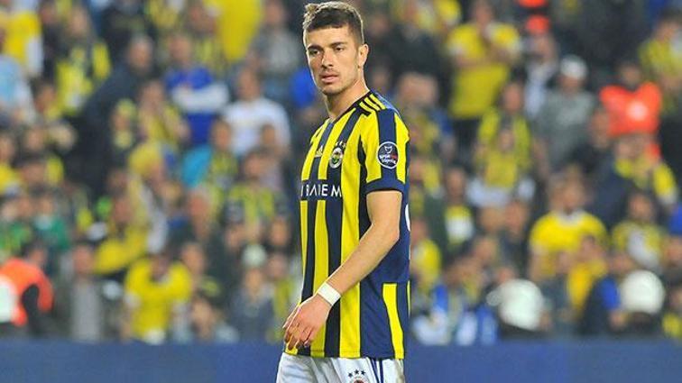 Rusya Futbol Federasyonu, Fenerbahçeli Roman Neustadter'e ceza verdi