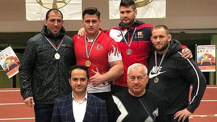 Milli güreşçileriden 18 madalya