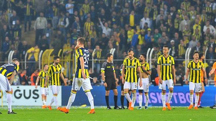 Fenerbahçeli oyunculara gelen tüm teklifler değerlendirilecek