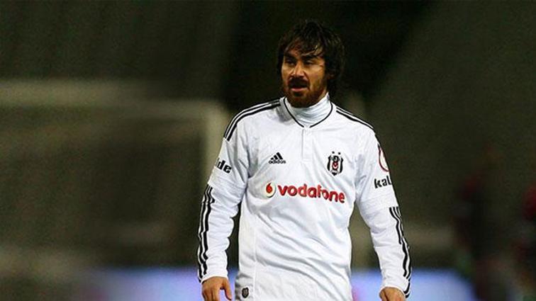 7 senedir sakatlıkla boğuşan Beşiktaş'ta Veli Kavlak, 4 kez yanlış teşhisle ameliyat edilmiş