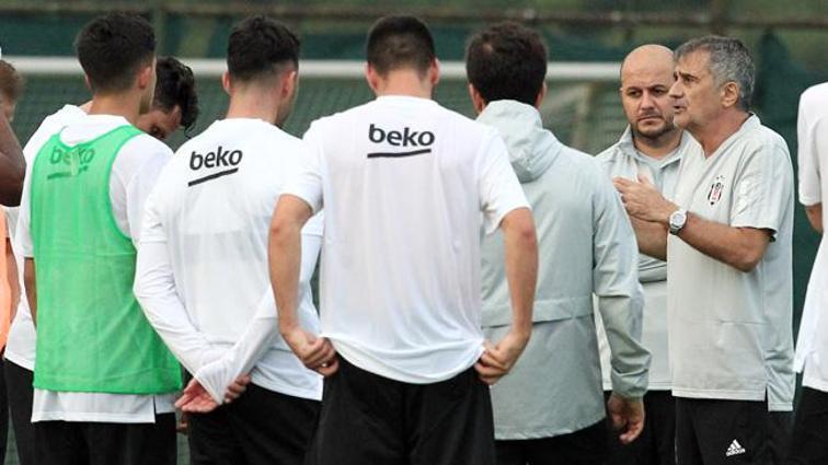 Yeni sezon hazırlıklarına başlayan Beşiktaş'ta Dorukhan Toköz da çalışmalara katıldı