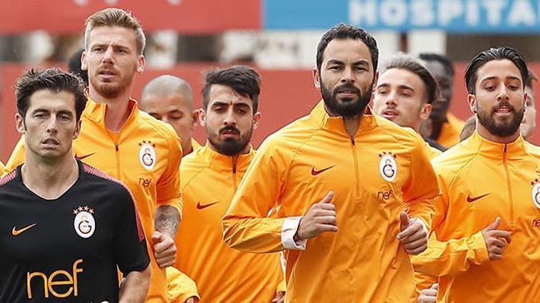 Yeni sezon hazırlıklarına başlayan Galatasaray'da Muğdat Çelik de idmana katıldı