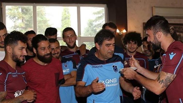 Teknik direktör Karaman'a doğum günü kutlaması