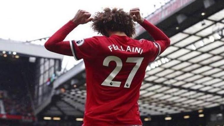 Marouane Fellaini, 2 yıl daha Manchester United'da!