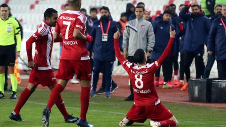 Sivasspor, haftanın açılış maçında Alanyaspor'u tek golle mağlup etti