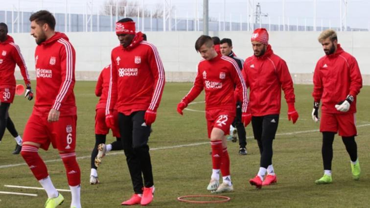 Sivasspor'da, Galatasaray maçı öncesi sarı kart alarmı!