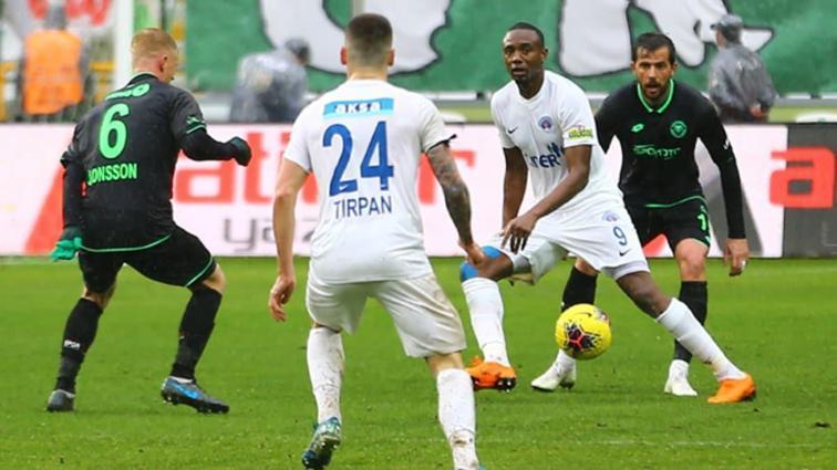 Konyaspor sahasında Kasımpaşa ile 0-0 berabere kaldı