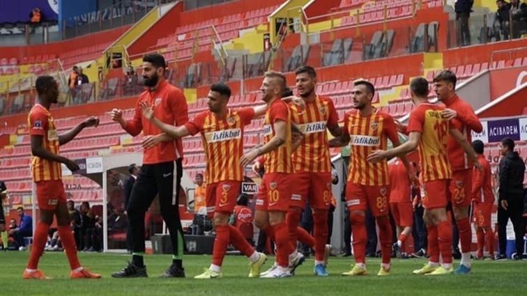 Kayserispor 26 haftada 71 değişiklik yaptı