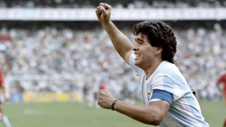Maradona: Bana para vermeyin