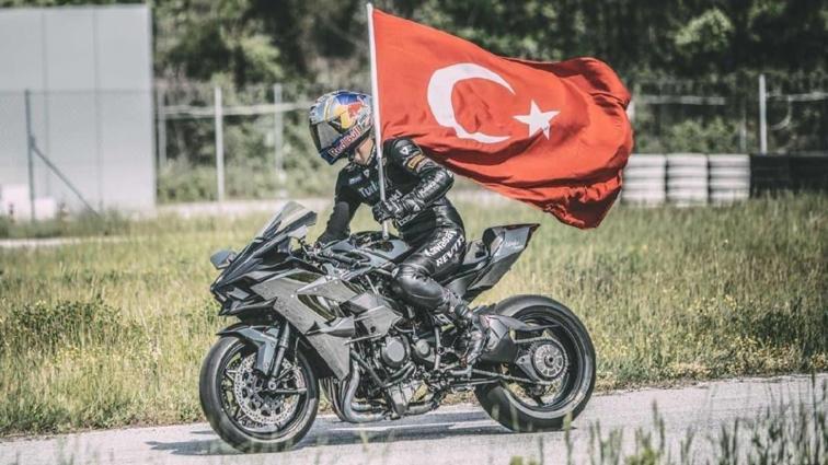 Kenan Sofuoğlu'nun hayat hikayesi belgesel oldu