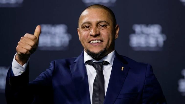 """Fenerbahçe'de Brezilya ekolü geri mi dönüyor"""" Gündem yeniden Roberto Carlos"""