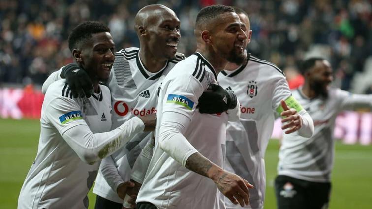 Beşiktaş; Boateng, Elneny ve Diaby ile yollarını ayırma kararı aldı