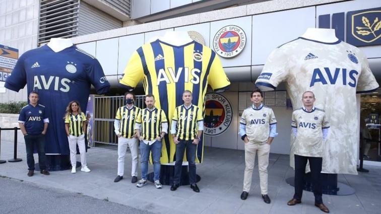 Fenerbahçe'de Başkan Koç, taraftarlarla bir araya geldi