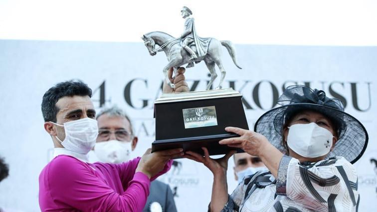 94. Gazi Koşusu'nun ödül töreni yapıldı