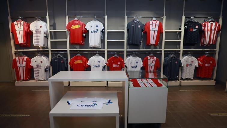 Fenerium'da Süper Lig kulüplerinin forma satışı başladı: Alt liglerdeki kulüpler de yer alacak