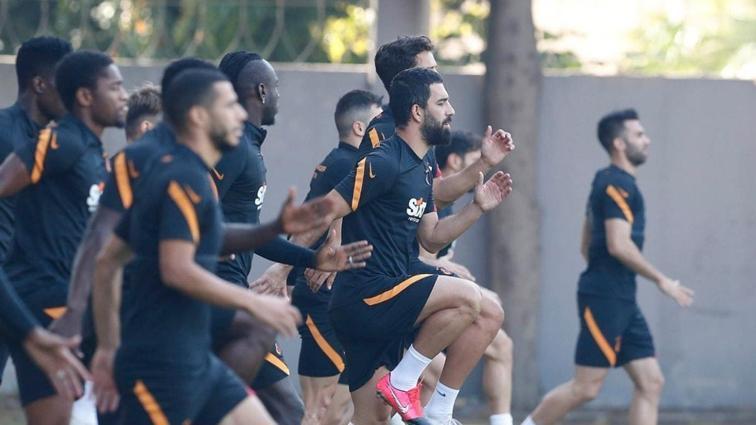 Galatasaray'da Belhanda takımla çalıştı