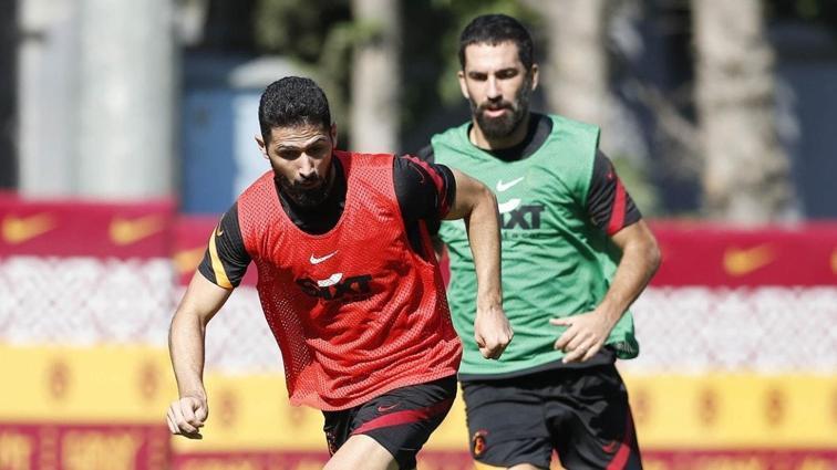 Galatasaray'da Etebo, Emre Akbaba ve Saracchi takımla birlikte çalıştı