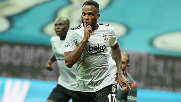 Beşiktaş'ta Larin seriye devam etmek istiyor