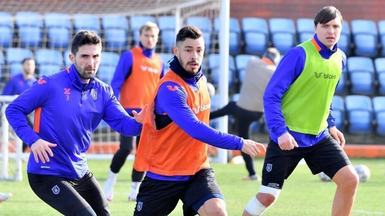 Başakşehir zorlu maçın hazırlıklarına başladı