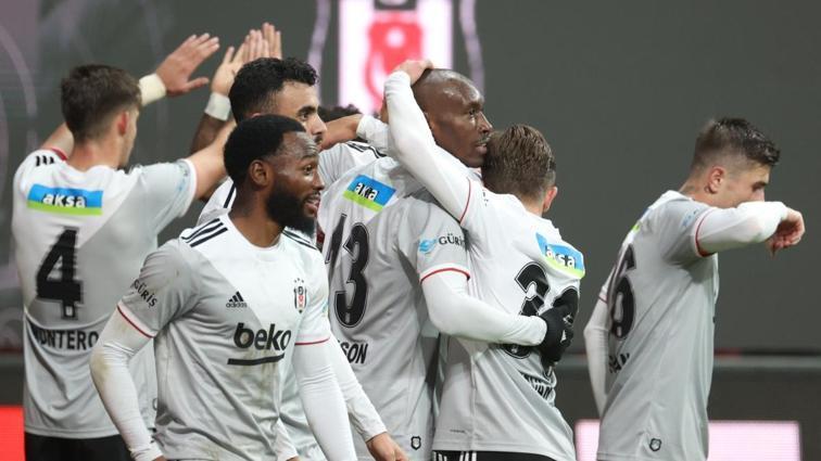 Sergen Yalçın Beşiktaş'ın Galatasaray maçı 11'ini şekillendirdi