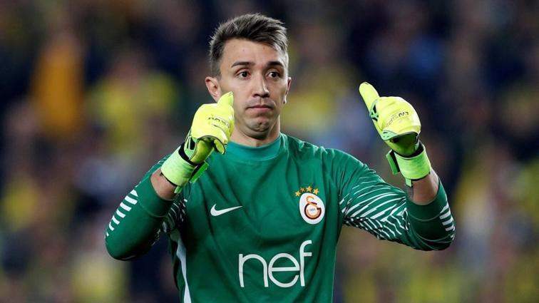 Fernando Muslera Beşiktaş'a karşı sahada olmak istiyor