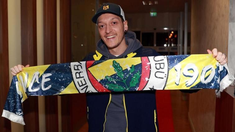 Mesut Özil'in maaşı ve imza parası ortaya çıktı