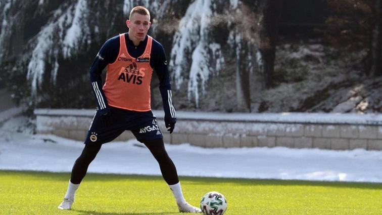 Fenerbahçe'de yeni transfer siftah yaptı