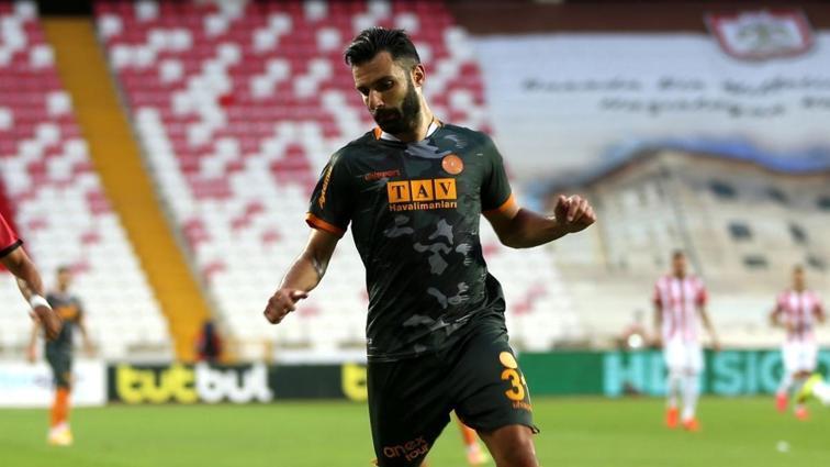 Tzavellas ve Sivasspor PFDK'ya sevk edildi