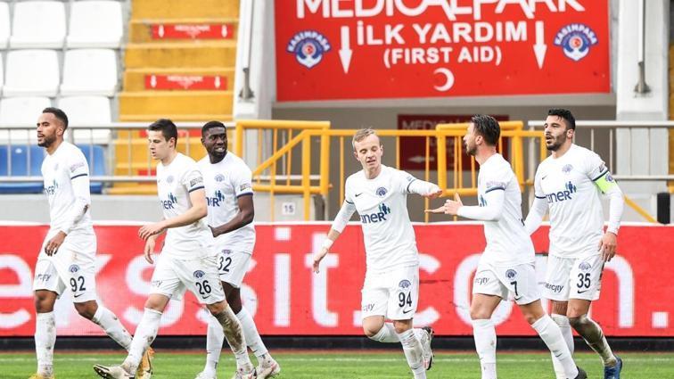 Kasımpaşa, DG Sivasspor'u rahat geçti