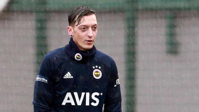Mesut Özil'in hedefi Galatasaray derbisi