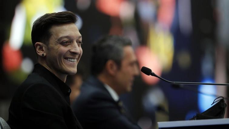 Mesut Özil'in imza töreni dünya basınında