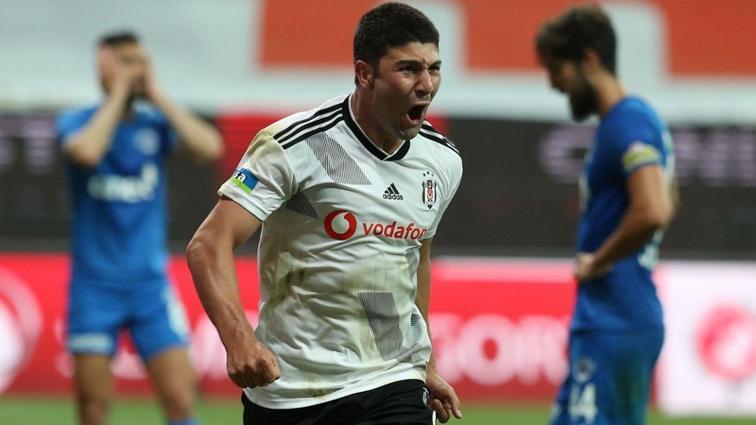 Beşiktaş'ta Güven Yalçın'ın kaderi transfere bağlı