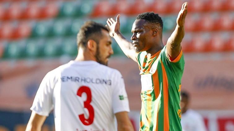 Alanyaspor konuk ettiği Sivasspor'u 3-1 mağlup etti