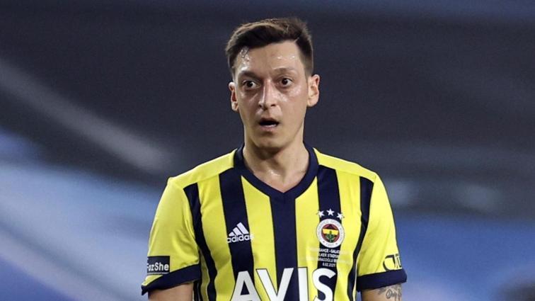Fenerbahçe'de Mesut Özil Başakşehir maçına ilk 11'de başlıyor
