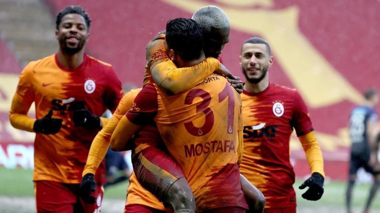 Ayhan Akman, Galatasaray'da yaşanan radikal değişikliklere dikkat çekti