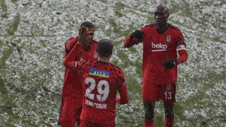 Cenk Tosun: Beşiktaş'ı şampiyon yapmaya geldim!