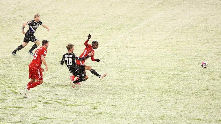Bayern Münih, 3-1'den döndü sonunu getiremedi