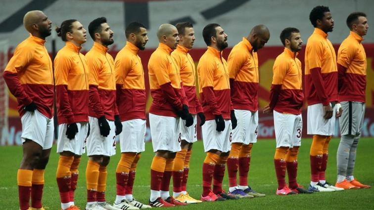 Galatasaray'da sözleşmesi biten isimlerle görüşmeler başlıyor