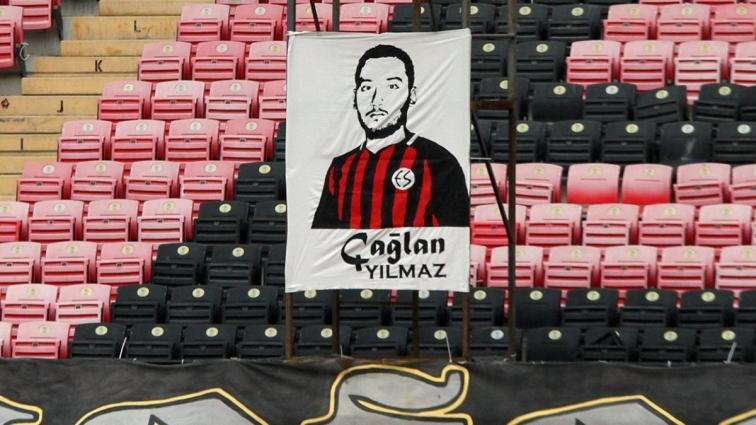 1 yıl sonra kazanan Eskişehirspor galibiyeti, hayatını kaybeden kongre üyeleri Çağlan Yılmaz'a adadı: Kalbimizdesin!
