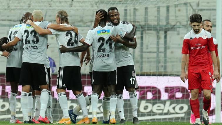Beşiktaş Larin ile sözleşme uzatmanın hesaplarını yapıyor