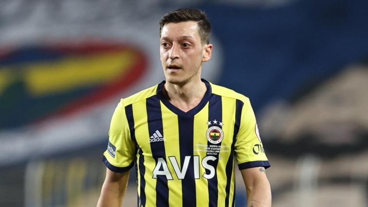 Mesut Özil Göztepe maçında 90 dakika oynamaya hazır