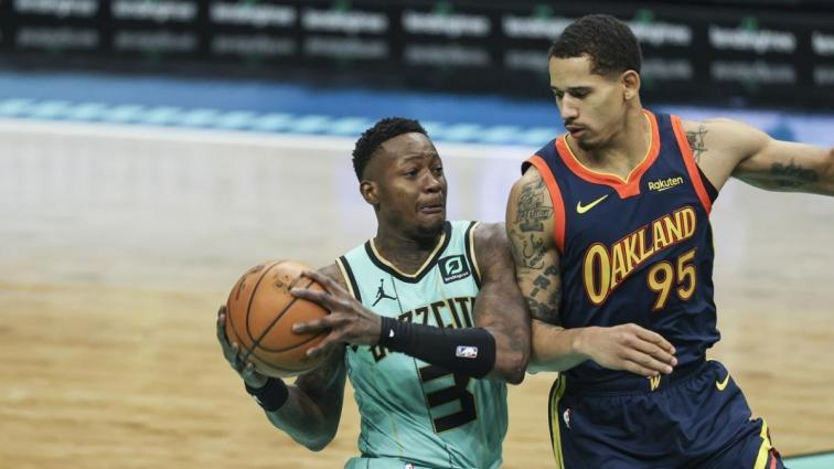 Charlotte Hornets, Golden State Warriors'ı son saniye basketiyle devirdi