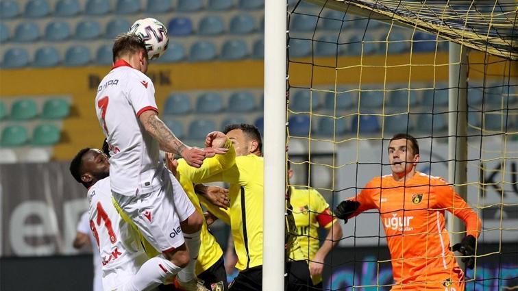 İstanbulspor-Yılport Samsunspor maçı sonrası olay açıklama: Maçta kural hatası var!
