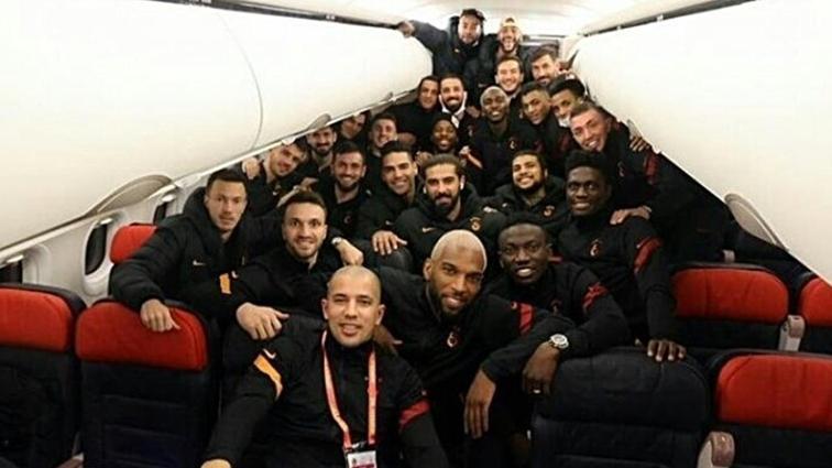 Galatasaray'ın 'aile' fotoğrafında dikkat çeken eksiklik